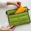 กระเป๋าใส่ไอแพด หรือแท็บเล็ต ผลิตจากโพลีเอสเตอร์เนื้อละเอียด บุด้วยใยสังเคราะห์เนื้อนุ่ม พกพาสะดวก ป้องกันรอยขีดข่วนได้ดีมาก thumbnail 2