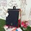 กระเป๋าเป้ Anello flap rucksack polyester canvas แบรนด์ดังรุ่นใหม่มาอีกแล้วว วัสดุผ้าแคนวาสเนื้อดี ยังคงเอกลักษณ์ความกว้างของปากกระเป๋าเพื่อการใช้งานที่ง่ายและสะดวก รุ่นนี้มีช่องเก็บสัมภาระมากมาย ทั้งภายในและภายนอก ด้านข้างใส่ขวดน้ำได้ ด้านหลังยังคงเป็นช่ thumbnail 13