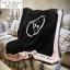 ผ้าห่ม Victoria's Secret Blankets Premium Gift ลายดำชมพู thumbnail 1