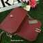กระเป่า CHARLES & KEITH METALLIC CLASP CLUTH สีแดง รุ่นใหม่ชนช้อป!! กระเป๋าหนังทรงกล่อง ตั้งอยู่ทรง thumbnail 3