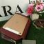 กระเป่า CHARLES & KEITH METALLIC CLASP CLUTH สีแดง รุ่นใหม่ชนช้อป!! กระเป๋าหนังทรงกล่อง ตั้งอยู่ทรง thumbnail 4