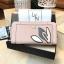 NEW! LYN Long Wallet กระเป๋าสตางค์ใบยาวซิปรอบรุ่นใหม่ล่าสุดวัสดุหนัง Saffiano สวยหรูสไตล์ PRADA ด้านหน้าประดับลายใบไม้ดูมีดีเทล thumbnail 9