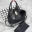 กระเป๋า Keep 2 in 1 สีดำ ปรับเก็บทรง ได้ถึง 2 แบบ มาพร้อมพวงกุญแจ ปอมปอม ฟรุ้งฟริ้ง น่ารักมากคะ thumbnail 3
