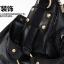 กระเป๋าสะพาย หนังนิ่ม สีดำ ตัดเย็บด้วยหนัง PU คุณภาพสูง แบบเก๋ ทนคุ้มค่ะใบนี้ thumbnail 4