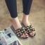 รองเท้าแตะไซส์ใหญ่ ไซส์ 44 ดีไซน์ H แอเมส ประดับไข่มุกสุดหรู สินค้านำเข้าเกาหลี สีดำ รุ่น KR0588 thumbnail 2
